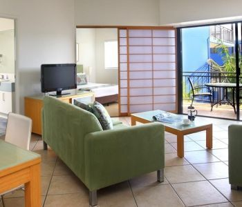One-Bedroom-Caloundra-Accommodation-1