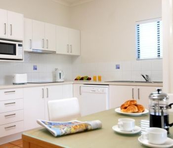 One-Bedroom-Caloundra-Accommodation-2