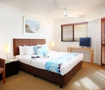 Three-Bedroom-Deluxe-Caloundra-Accommodation-4
