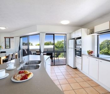three-bedroom-deluxe-caloundra-apartment