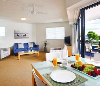 Two-Bedroom-Caloundra-Accommodation-1
